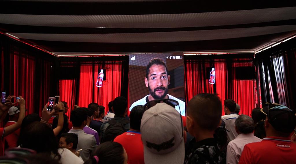 Mensaje de Celso Borges en el Coca Cola Trophy Tour Costa Rica
